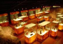 Arte Precolombino y Vidrio Moderno
