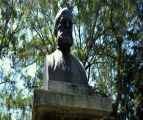 Monumento a Antonio de Irisari