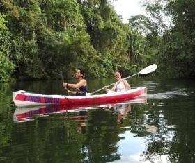 Finca y Río Tatín