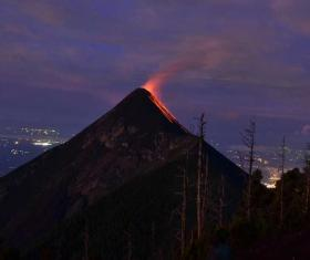 Volcán ACATENANGO. Ascenso nocturno