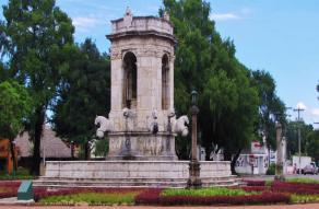 Las Bancas de la Plaza España