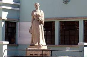 Busto de Dolores Bedoya de Molina - Zona 10