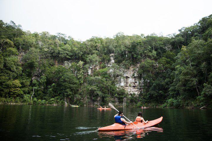 Kayak en Río Lagartero y camping en Cenotes de Candelaria
