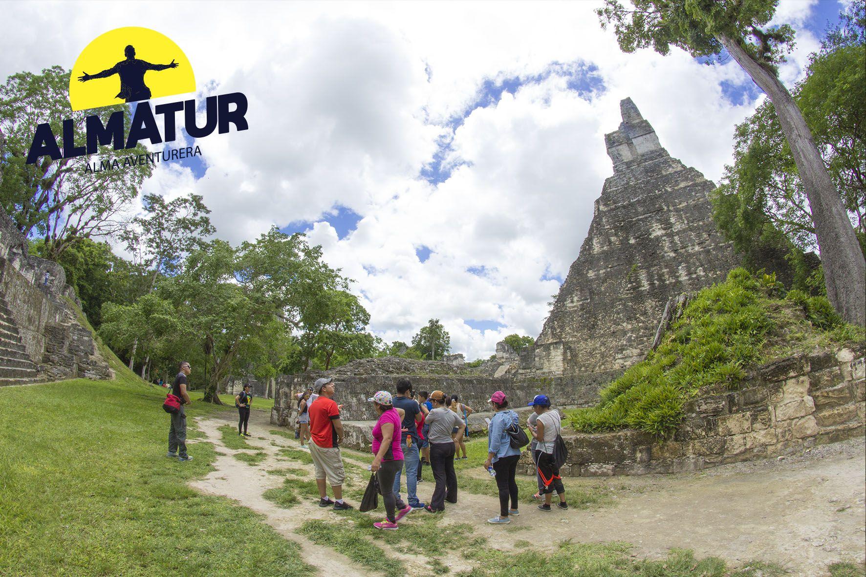 Viaje a Tikal, el Remate, Isla de Flores y Castillo de San Felipe
