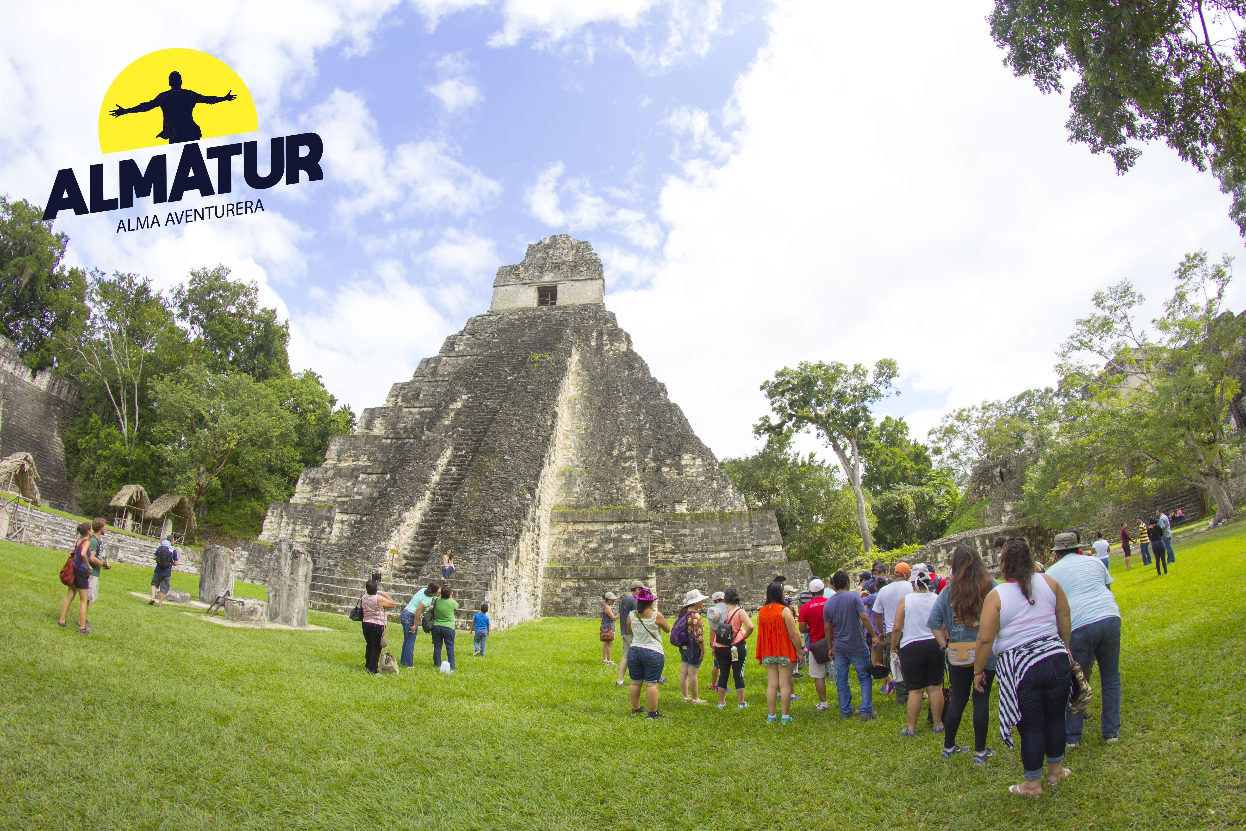 Semana Santa: Tikal, el Remate, Isla de Flores y Castillo de San Felipe