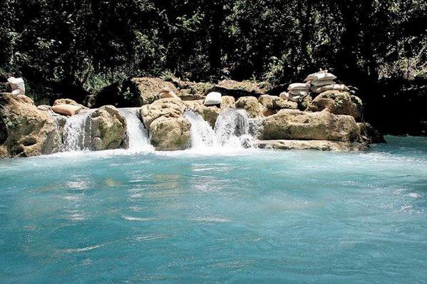 Cueva y Rio El Limonar